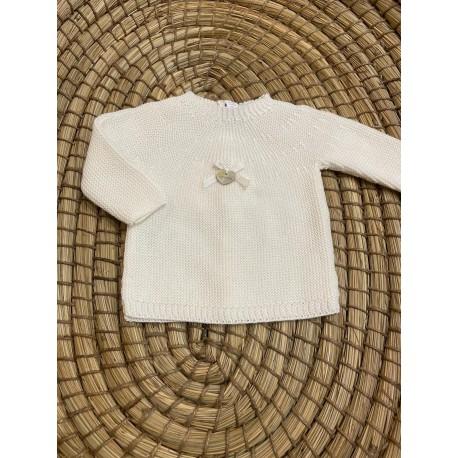 Suéter color marfil lazo y detalles corazón de naca