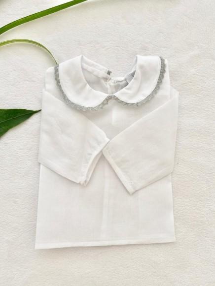 Batista color blanco cuello bebé con puntilla gris
